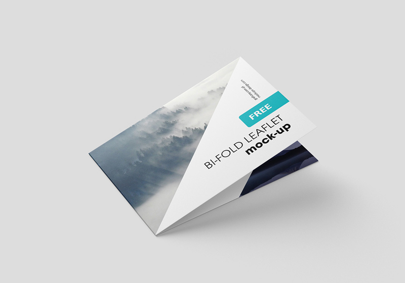 Horizontal-Folded-Brochure-Mockup-PSD-1