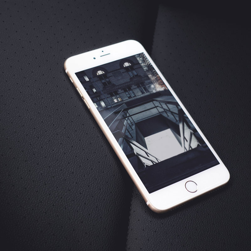 PSD-White-iPhone-6-Plus-Mockup-Free-600